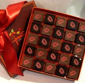 Конфеты с «поцелуем» стали причиной скандала в мире шоколада