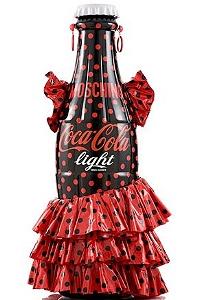 Модный бренд Moschino «одел» бутылки Coca-Cola