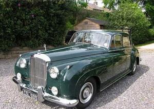 Принадлежавший Шону Коннери Bentley S2 1962 года выставлен на аукцион