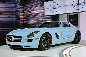 Новый Mercedes-Benz SLS AMG: романтика высоких скоростей