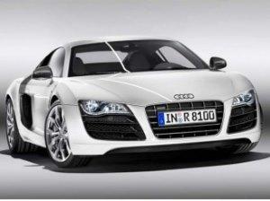 Audi R8: первый автомобиль с LED-фарами