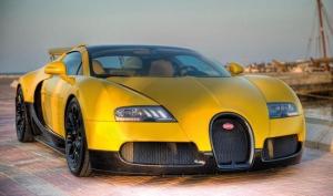 Желто-черный Bugatti Veyron 16.4 Grand Sport для автошоу в Катаре