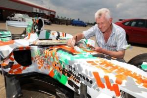 Декстер Браун расписал болид Force India