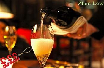 Миллиардер потратил 2,6 миллиона долларов на шампанское
