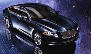 «Рождественский» Jaguar от Neiman Marcus
