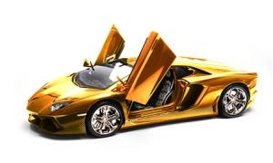 Золотая модель Lamborghini Aventador LP 700-4