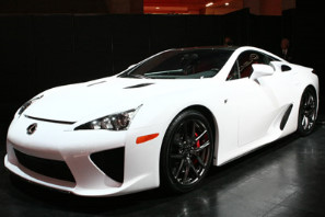 Lexus представил новый суперкар