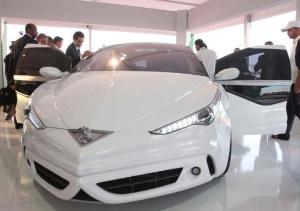 Ливийский диктатор представил «самый безопасный в мире автомобиль»