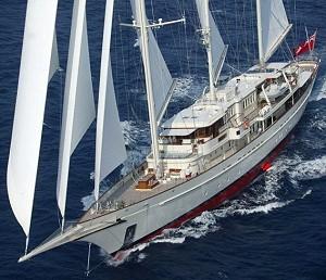 Яхта стоимостью в 100 миллионов встала на капитальный ремонт