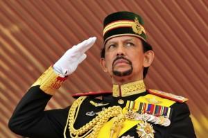 Султан Брунея требует введения в стране исламского уголовного права