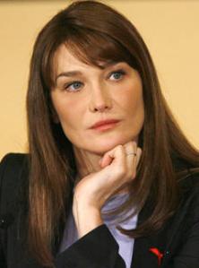 Первая леди Франции, Карла Бруни, планирует усыновить ребенка