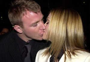 Мадонна официально объявила о разводе