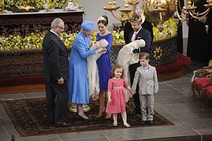Датская королевская семья провела обряд крещения близнецов Винсента и Жозефины