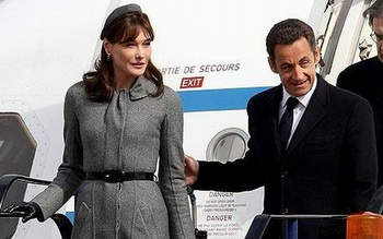 Самолет французского президента обошелся государству в €176 млн