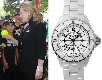 Хилари Клинтон примерила легендарные часы Chanel J12