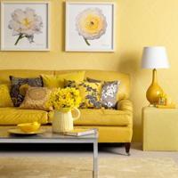 Гостиная в желтых тонах: цвет праздника и радости