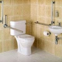 Аксессуары для ванной: хром их делает долговечными