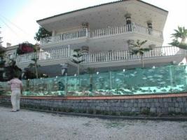 Забор-аквариум в Измире