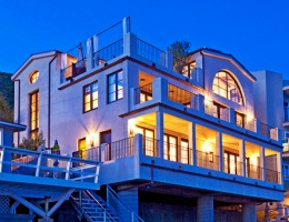 Дом на берегу океана для Дэйзи Фуэнтес