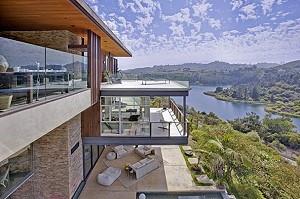 В США продается особняк с видом на водохранилище Голливуд