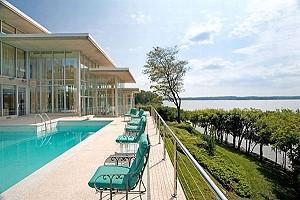«Дом из стекла» стоимостью 7,9 миллионов долларов будет выставлен на торги