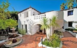 Саймон Хелберг купил бывший дом Чарли Шина в Лос-Фелис