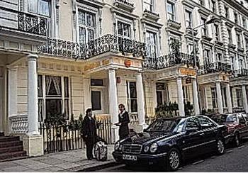 Иностранные студенты лондонских вузов в поисках роскошного жилья