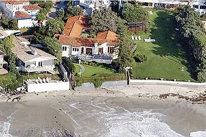 Митт Ромни хочет расширить свой дом, пресса недовольна