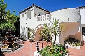 Брук Мюллер продала особняк в Лос-Фелис