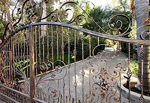 В Палм Спрингс продается бывшая собственность Сонни Боно