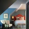 Семь советов по интерьеру спальни в мансарде: не бойтесь скошенных потолков